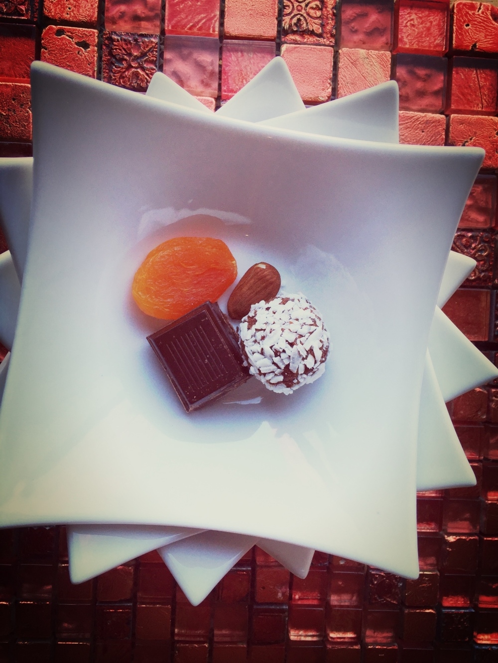 Healthy ingredients: apricot, dark chocolate, almond, coconut