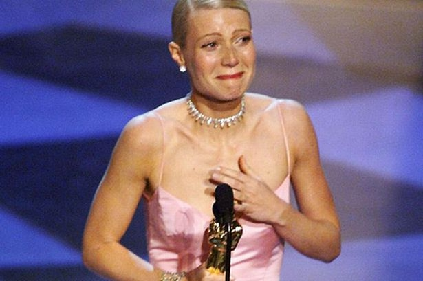 gwyneth-paltrow-crying-after-receiving-an-oscar-pic-getty-images-634733872